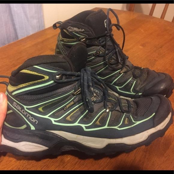 795e3674a4 Salomon Women's Hiking Boots - Size 9